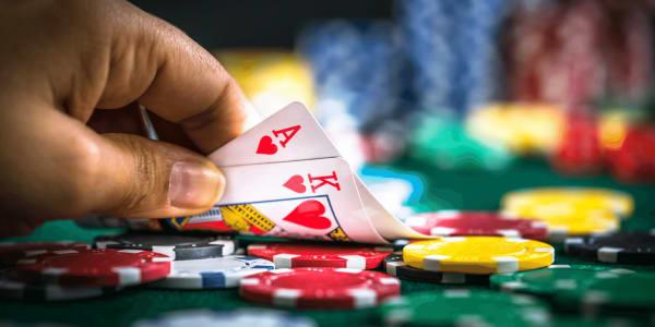 Ammattilaisten käyttämät tappajayhdistelmät pokerissa