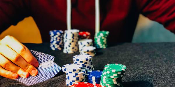 Kuinka selviytyä syvistä pinoista pokerissa